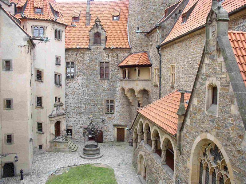 Bouzov, zdroj www.hrad-bouzov.cz