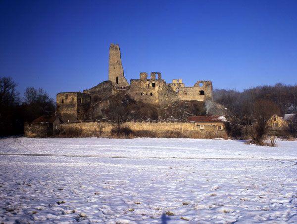 Okoř, zdroj www.hrad-okor.cz