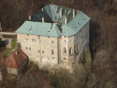 Houska, zdroj www.hradhouska.cz
