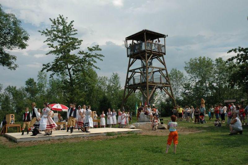 Rozhledna Barborka u Horních Raškovic