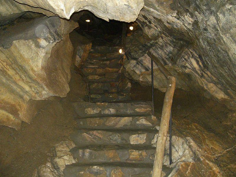Chýnovská jeskyně - autor Chmee2, licence CC 3.0 http://creativecommons.org/licenses/by-sa/3.0/deed.cs