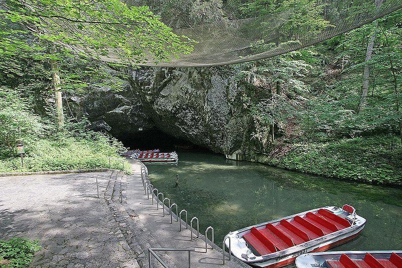 Punkevní jeskyně - přístaviště - autor Prazak, licence CC 3.0 http://creativecommons.org/licenses/by-sa/3.0/deed.cs