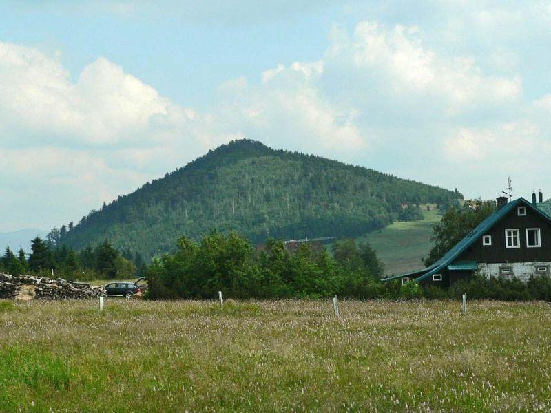 Bukovec od osady Jizerka - autor Lovecz, volné dílo