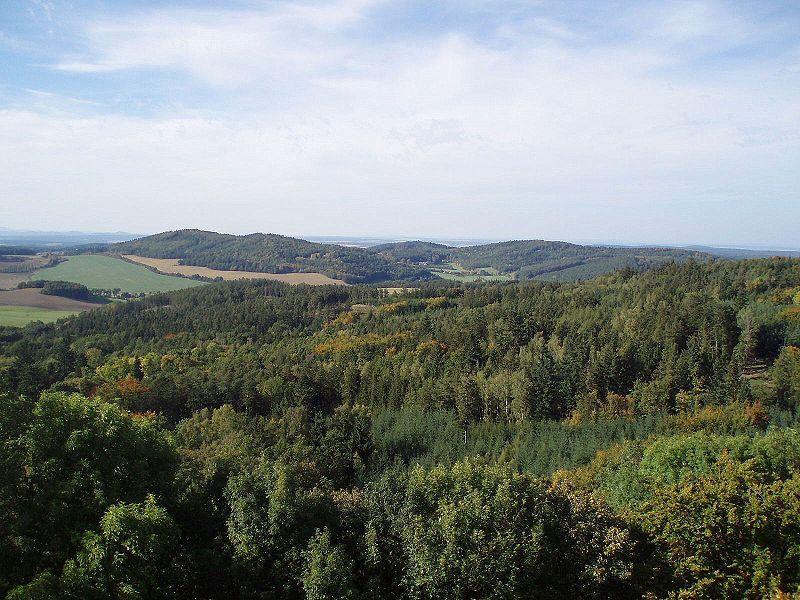 Rozhledna Bolfánek u Chudenic - výhled na Sedmihoří - autor Orange.man, dílo volné