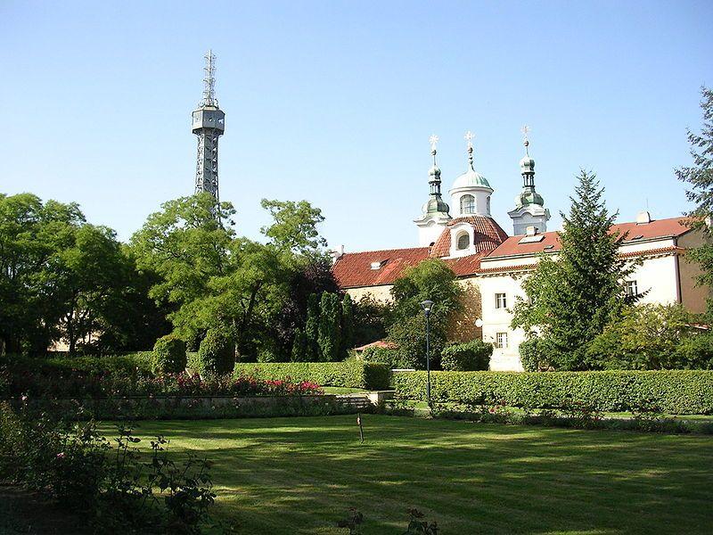 Petřínská rozhledna v Praze - autor ŠJů, licence CC 3.0 http://creativecommons.org/licenses/by-sa/3.0/deed.cs
