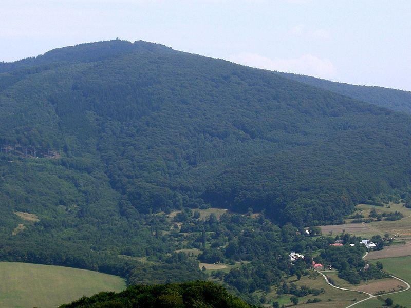 Rozhledna Velký Lopeník v Bílých Karpatech - autor paucabott, licence CC 3.0 http://creativecommons.org/licenses/by-sa/3.0/deed.cs