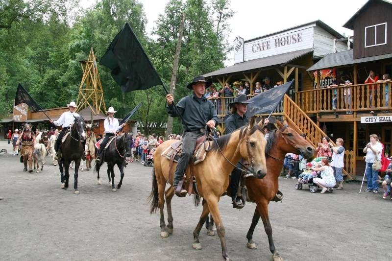 Westernové městečko Šiklův Mlýn - TRAKTORSHOW - Farmář roku se Starobrnem