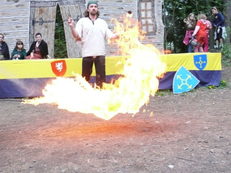 Hrad Vízmburk - Slavnostní zahájení sezóny