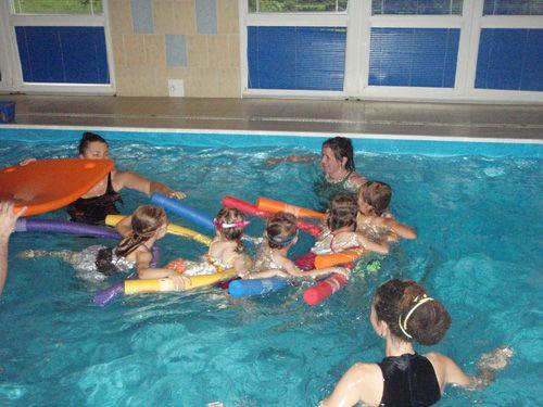 Studio Lodička - Plavecký kurz pro rodiče s dětmi - bazén Hotelu BOSCOLO