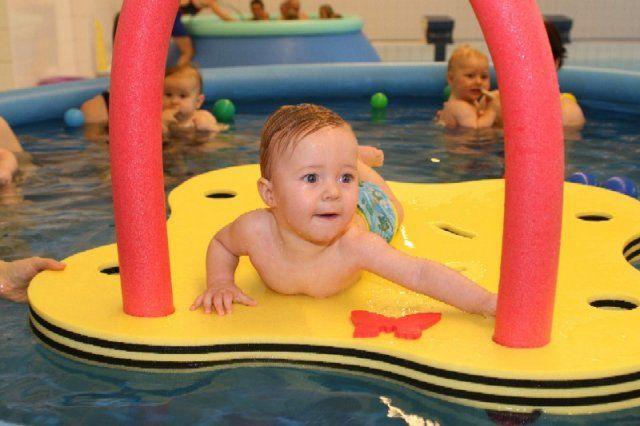 RC Myšák - Plavání rodičů s dětmi v Městském bazénu v Čelákovicích