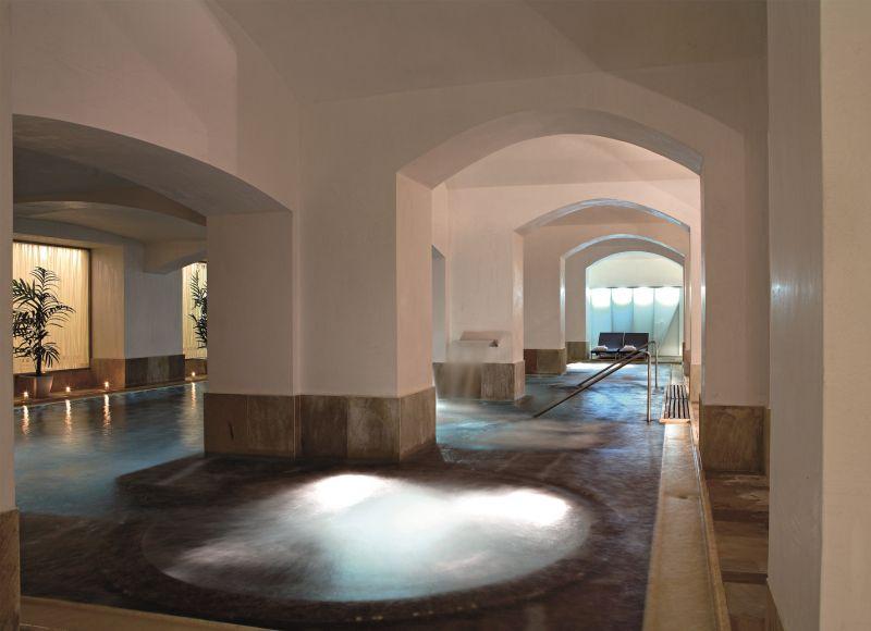 Rafťáček - Těhotenské plavání v bazénu Hotelu Boscolo Praha