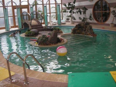 Rafťáček - Plavání dětí a rodičů v bazénu Club Hotelu Průhonice