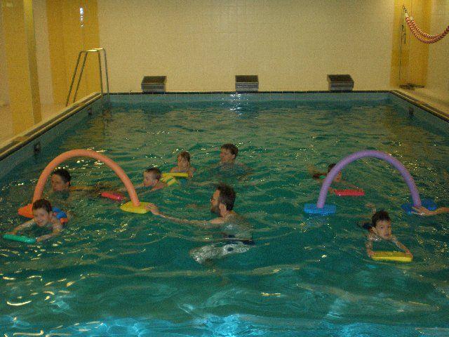 Plavecký klub Šipka - Plavání dětí a rodičů v bazénu Gymnázia JN, Praha