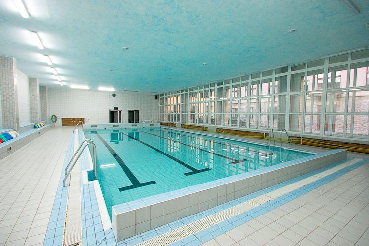 Bazén ZŠ Holzova