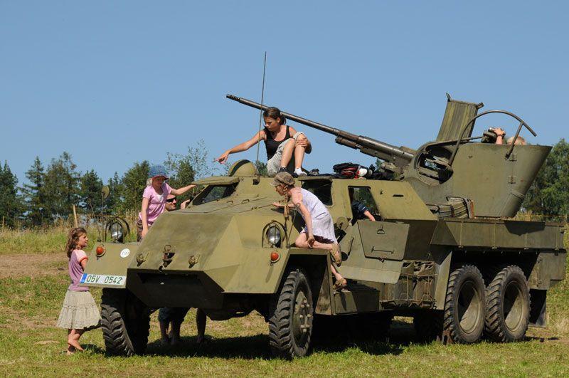 Šťastná země Radvánovice - Zahrajem si na vojáky