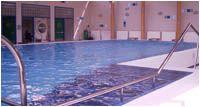 Club Junior - Plavání rodičů s dětmi v bazénu Jedličkova ústavu, Praha