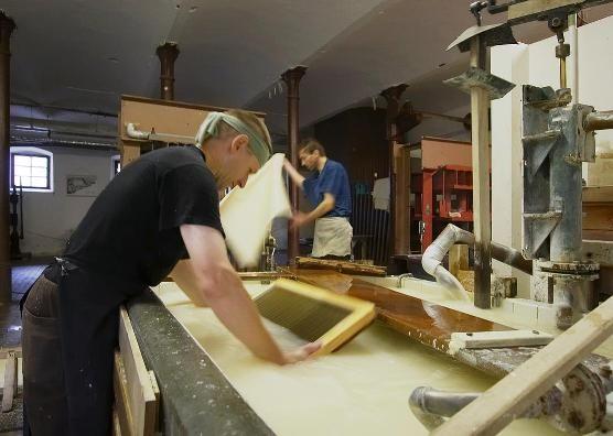Ruční papírna Velké Losiny - Dílna ručního papíru - Workshopy pro veřejnost