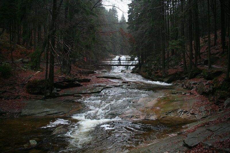 Řeka Mumlava s vodopádem