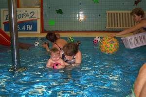 Baby club Delfín - Plavání kojenců a batolat v plaveckém bazénu Jilemnice