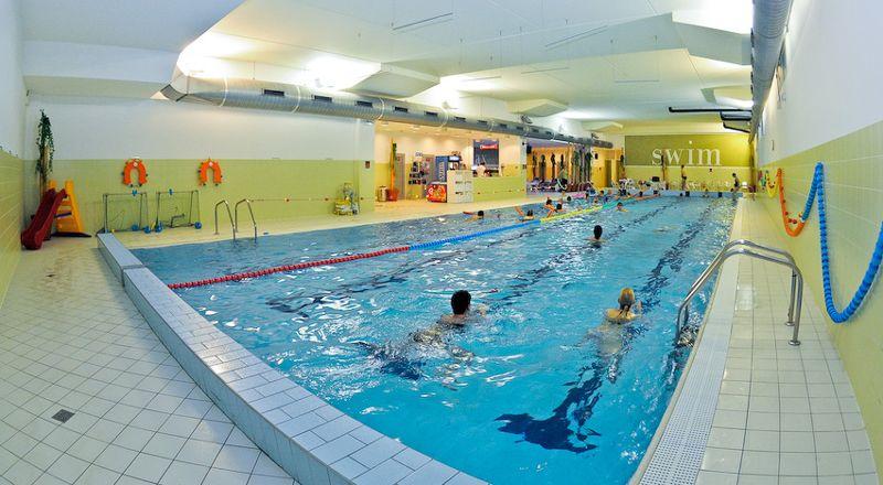 LaVODA Praha - Plavání rodičů s dětmi v bazénu Holmes Place Černý Most