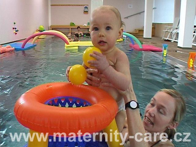 Maternity Care - Plavání rodičů s dětmi v bazénu Centra Cordeus, Praha 6