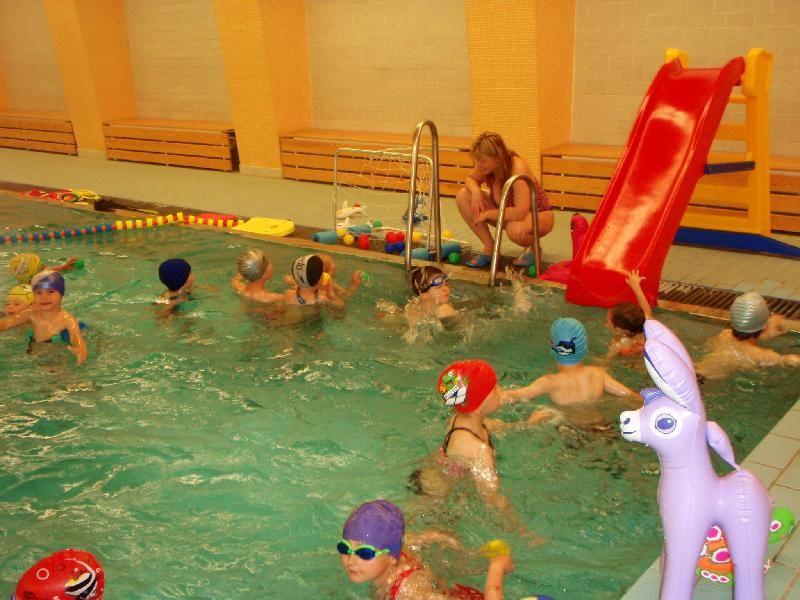 Plavecká škola Žabka Teplice - Předplavecký výcvik v bazénu ZŠ Edisonova