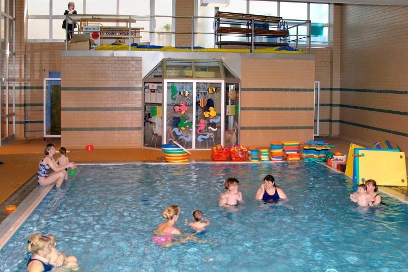 PŠ Roudnice n.L. - Plavání rodičů s dětmi v bazénu Litoměřice
