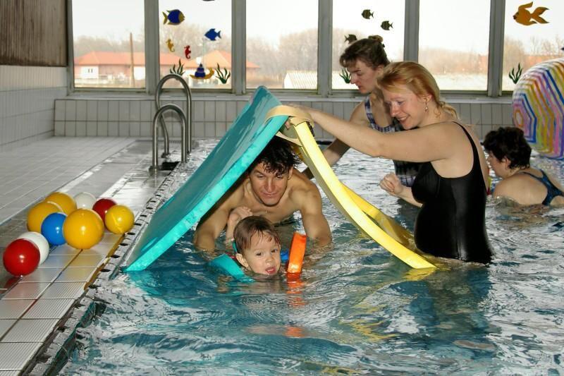 PŠ Roudnice n.L. - Plavání rodičů s dětmi v bazénu Roudnice nad Labem