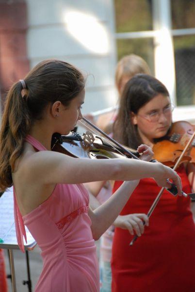 ZUŠ Trutnov - Výuka hry na housle