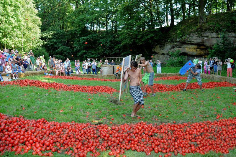 Šťastná země Radvánovice - Rajčatová bitva