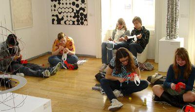 Pravidelné dílny pro děti v Museu Kampa - Pohyb v umění aneb pojďme se dívat abstraktně!