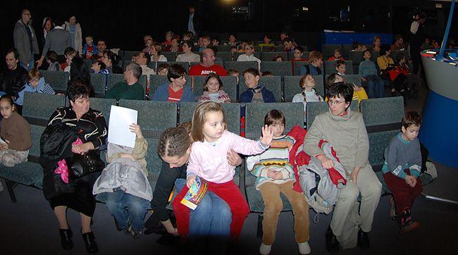 Hvězdárna Ostrava - Program pro děti: Na co kouká sova v noci, VIRTUÁLNÍ VESMÍR: Live