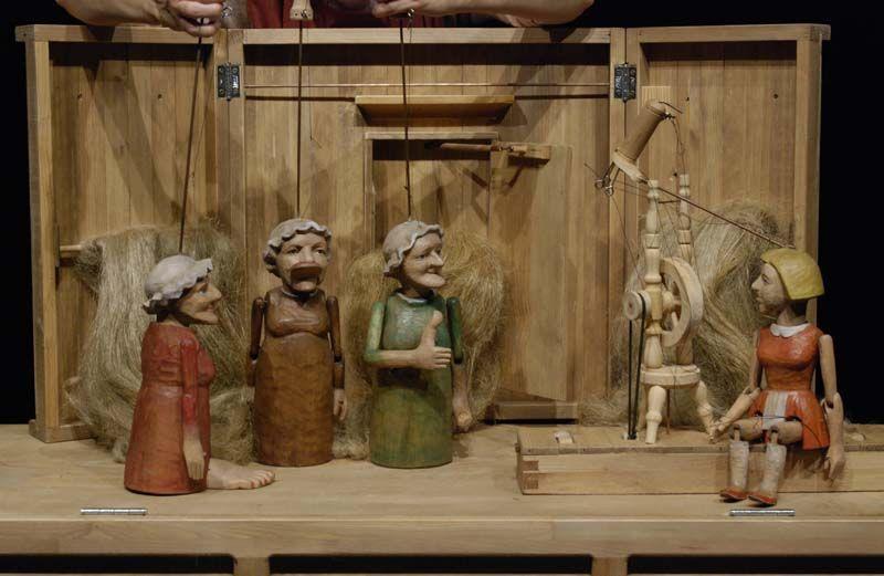 Naivní divadlo Liberec - Jak chodil Kuba za Markytou + Tři přadleny