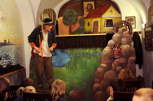 Divadlo hudby Olomouc - Vodnická pohádka (Koňmo)