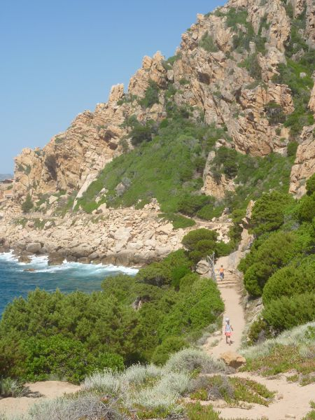 Sardinie - Costa Paradiso - Vycházka podél skalnatého pobřeží