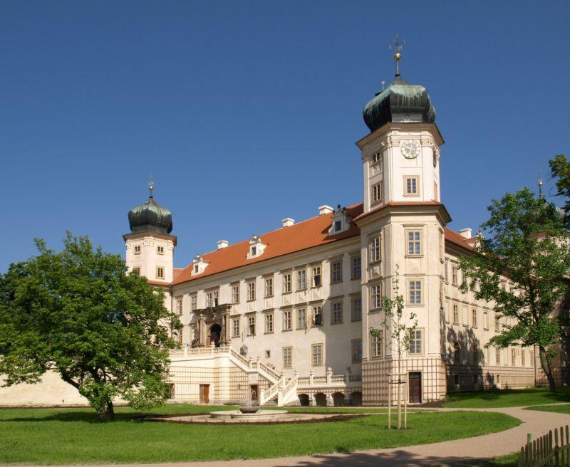 Zámek Mníšek pod Brdy - Dobývání zámku