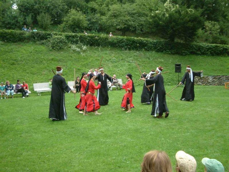 Hrad Šternberk - 5. Mezinárodní folklórní taneční a hudební odpoledne