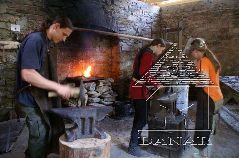 Hrad Šelmberk - Pátý ročník Setkání amatérských kovářů