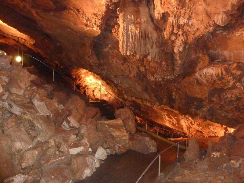 Koněpruské jeskyně - prohlídky při baterkách