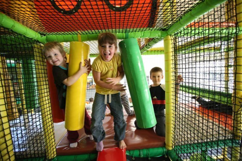 Zábavní parky a hřiště pod střechou - Centrum Jungle