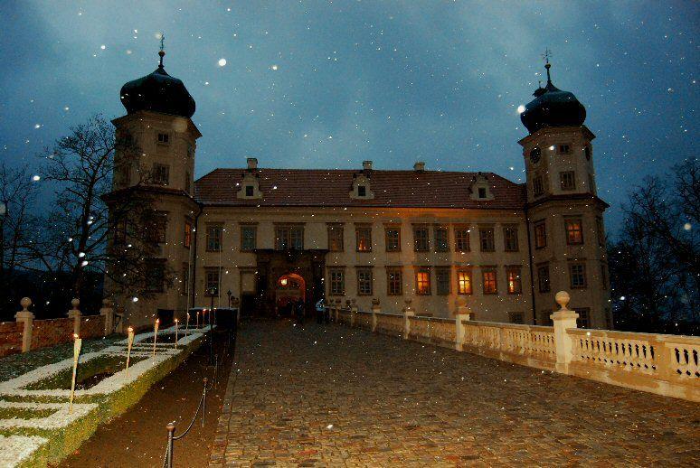 Vánoční prohlídky se Zimní královnou a vodníkem Zlebedou na zámku Mníšku