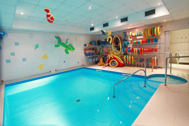 Baby Club Juklík Nymburk - plavání dětí