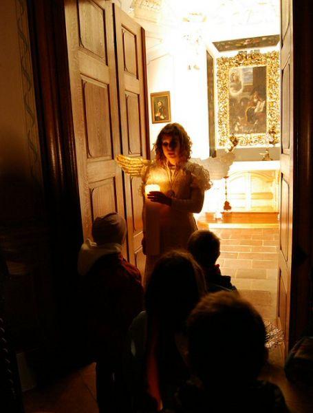 Oblíbené podvečerní prohlídky na zámku Mníšku