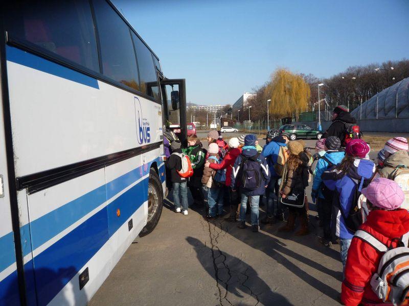 Veselý školní autobus
