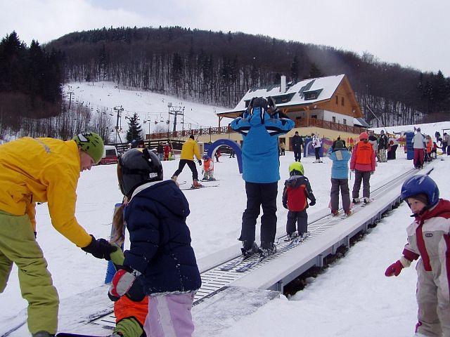 Dětský park s pohyblivým kobercem, Zdroj: Skiareál Bret