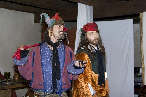 Hrad Kašperk - Večerní šermířské představení na hradním nádvoří