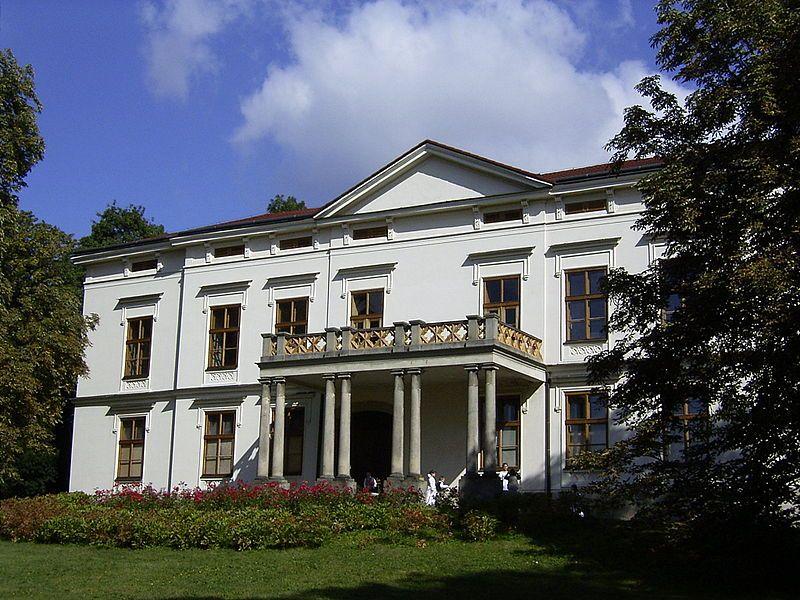 Zámek a park Lešná