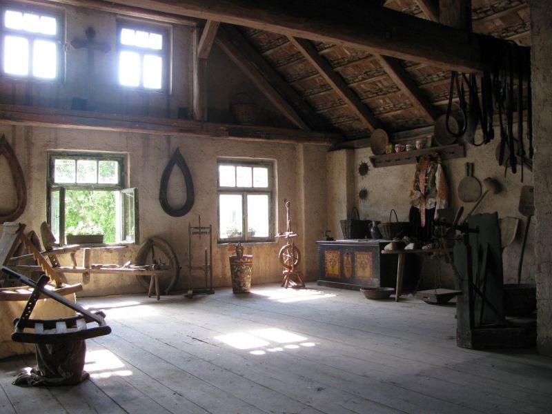 Mířkov - Muzeum venkovských řemesel a útulek pro staré a týrané koně