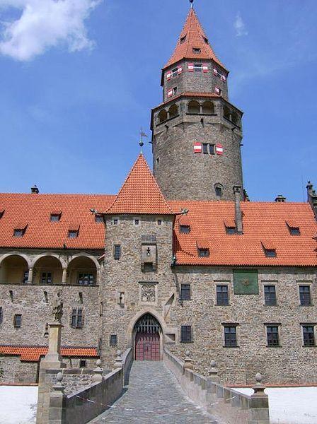 Den dětí na hradě Bouzov - prohlídka Rytířská cesta