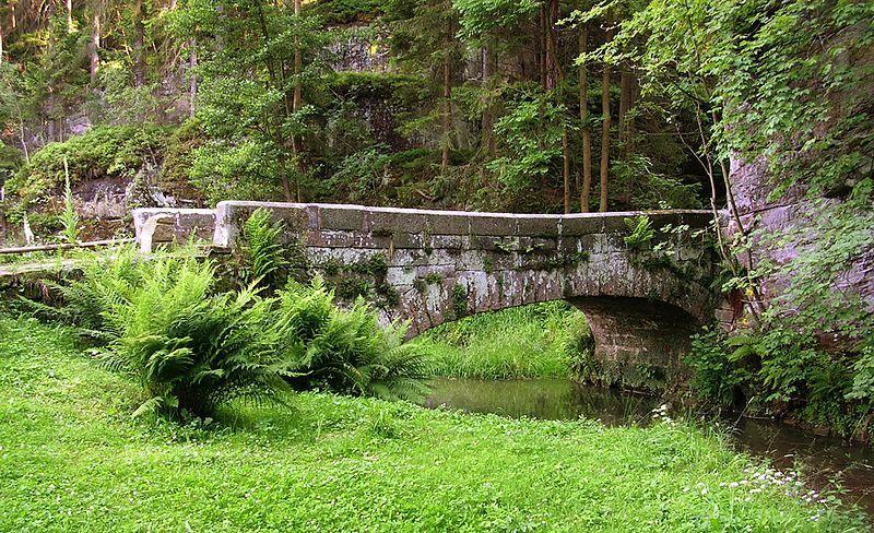 Naučná stezka Podtrosecká údolí - most v Podsemíně přes Žehrovku
